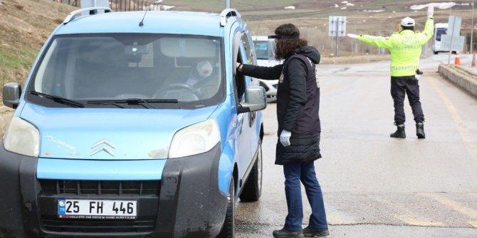 Erzurum'da polis denetimleri sürüyor