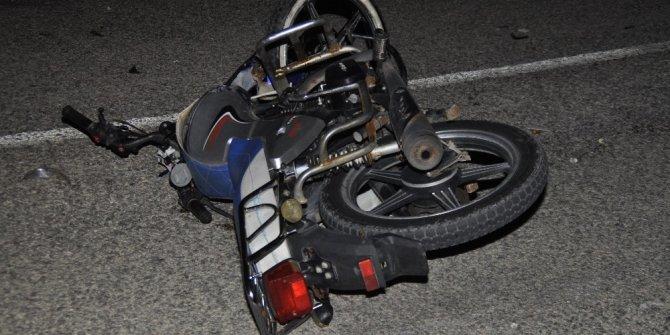 Motosiklet tıra arkadan çarptı: 1 ölü