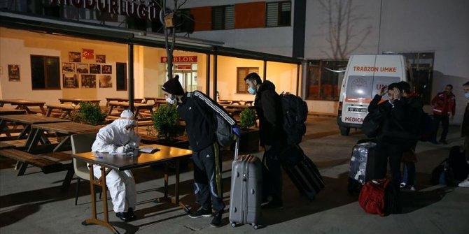 Ukrayna'dan 310 Türk vatandaşı Trabzon'a getirildi
