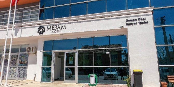 Meram Belediyesi, tekstil atölyesinde maske üretimine başladı