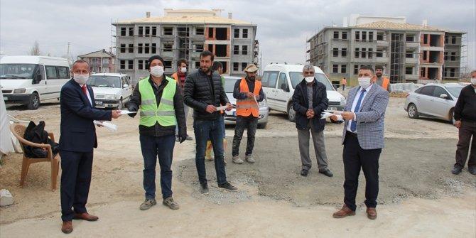 Yalıhüyük Kaymakamı Kılınç, TOKİ inşaatın alanında incelemelerde bulundu