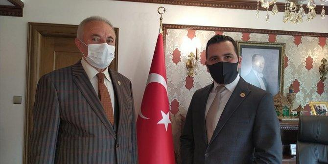 Sivas'ta muhtarlardan Milli Dayanışma Kampanyası'na 42 bin liralık destek