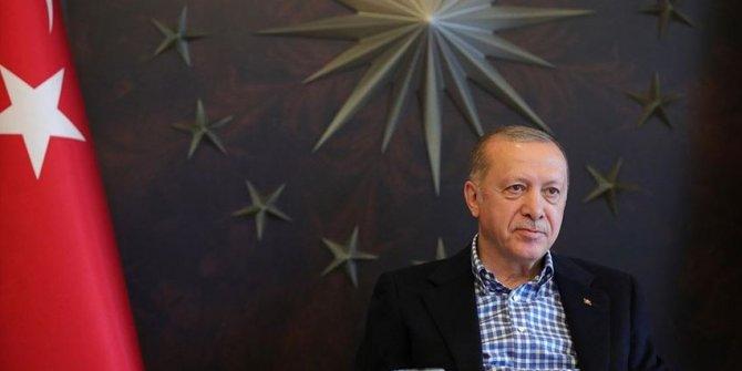 Cumhurbaşkanı Erdoğan, milli futbolcularla video konferansla görüştü