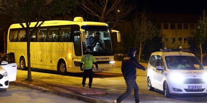 Cezayir'den getirilen 144 kişi Konya'daki yurda yerleştirildi