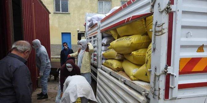 Karantinaya alınan mahalledeki süt üreticilerinin yem ihtiyacı karşılandı