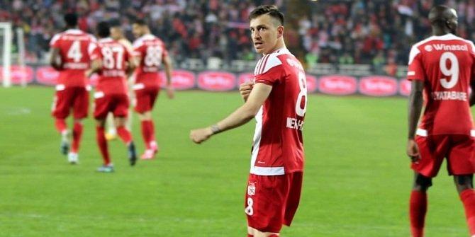 Galatasaray'da Mert Hakan'ın giyeceği forma belli oldu