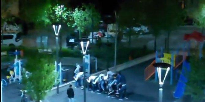 Parkta 'uzun eşek'oynayan 10 kişiye, 31 bin 500 lira ceza