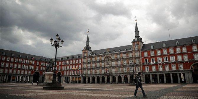İspanya'da Kovid-19'dan şimdiye kadar 23 bin 822 kişi öldü