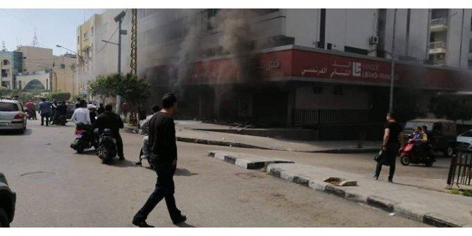 Lübnan'daki protestolar sırasında Hz. Ayşe'ye yönelik hakaret içerikli sloganlara tepki yağdı