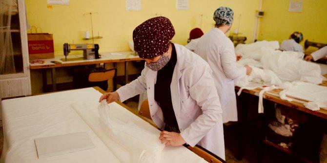 Eskişehir Olgunlaşma Enstitüsünden koronavirüsle mücadeleye cerrahi önlük üretimiyle destek