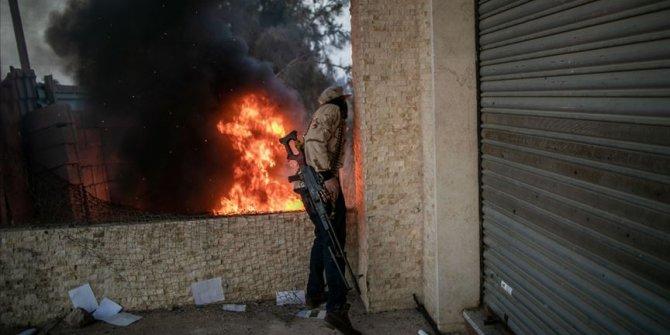 Libya Ordusu'ndan, Vatiyye Hava Üssü'ndeki silah depolarına hava harekatı
