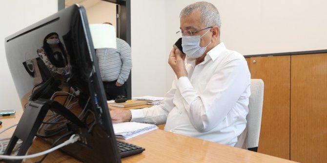 Başkan Tarhan, Kriz Merkezinde telefonları yanıtladı