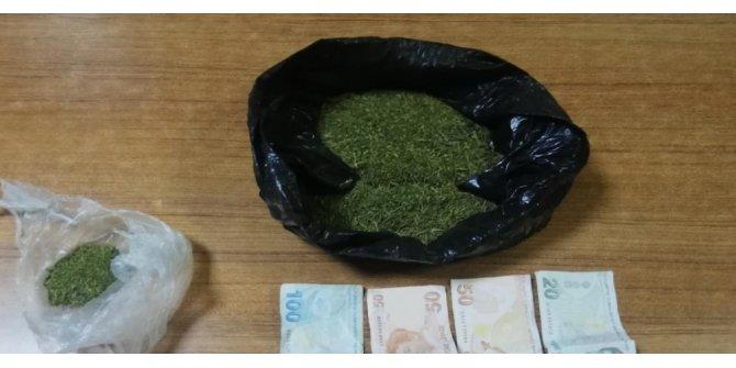 Polisten kaçmaya çalıştı, 150 gram esrarla yakalandı