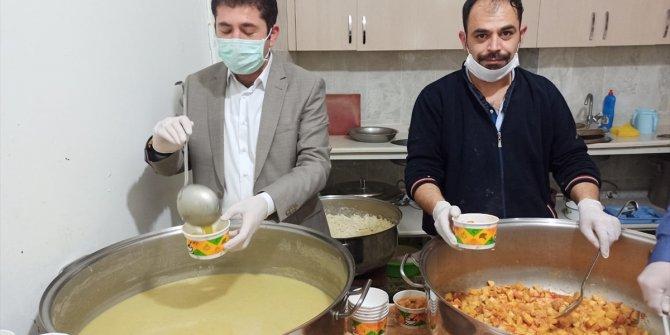 Zara'da 250 haneye sıcak yemek dağıtılıyor