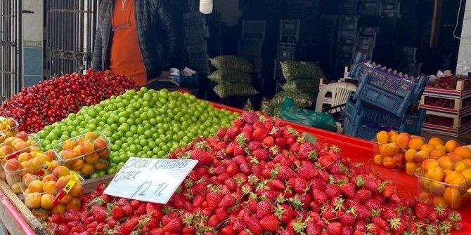 Yazlık meyveler tezgahlarda yerlerini almaya başladı