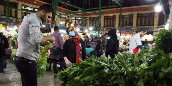İran'da 74 kişi daha koronavirüs nedeniyle hayatını kaybetti