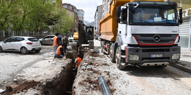 Muş Belediyesi altyapı çalışmalarına kaldığı yerden devam ediyor