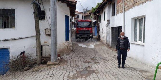Karantinaya alınan mahalle dezenfekte edildi