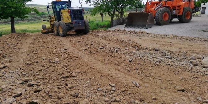 Köy yollarının genişletme çalışmaları başladı
