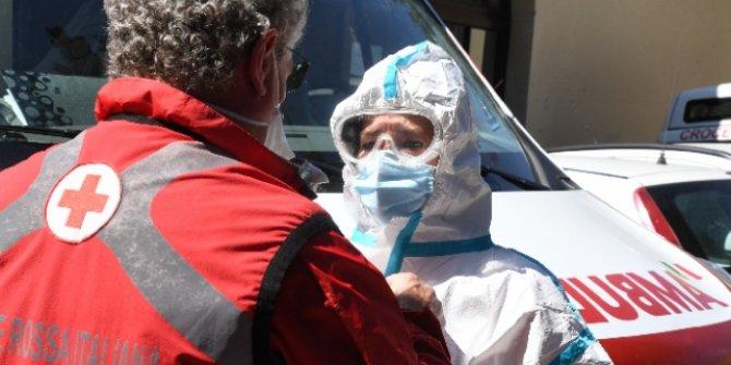 İtalya'da koronavirüs bilançosu ağırlaşıyor