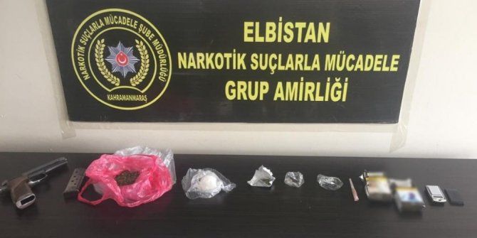 Polisten sokak satıcılarına operasyon: 2 şüpheli tutuklandı