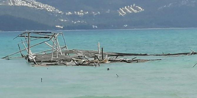 Didim'de denizdeki kaçak yapıların sonuncusu da yıkıldı