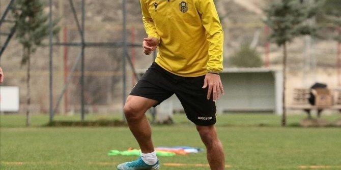 Yeni Malatyaspor yurt dışından gelecek futbolcuları bekliyor