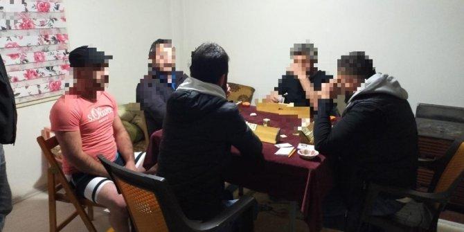 Yalova'da kumarhaneye dönüştürülen eve şok baskın