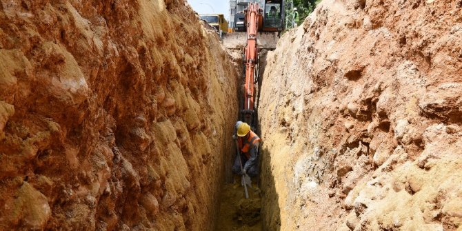 MESKİ'nin kanalizasyon çalışmaları sürüyor