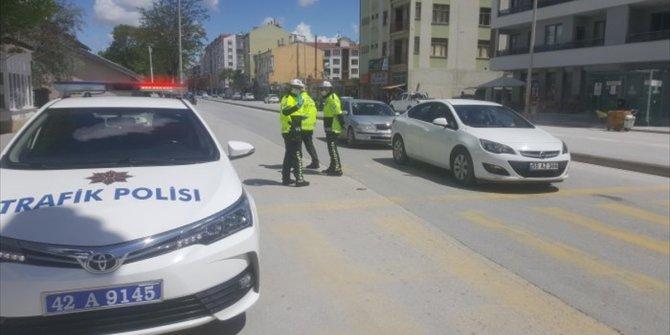 Karapınar'da sürücülere broşür dağıtıldı