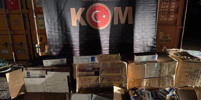 Gişelerde durdurulan tırda 8 bin paket kaçak sigara ele geçirildi