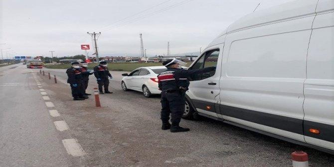 Jandarma uygulamada 5 aranan kişiyi yakaladı