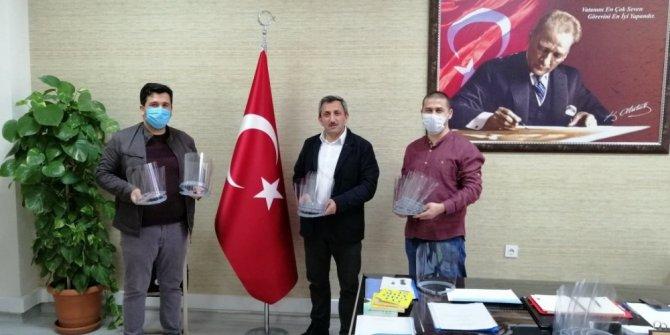 Çorlu'da vefa destek grubunun siperlik maskeleri öğretmenlerden