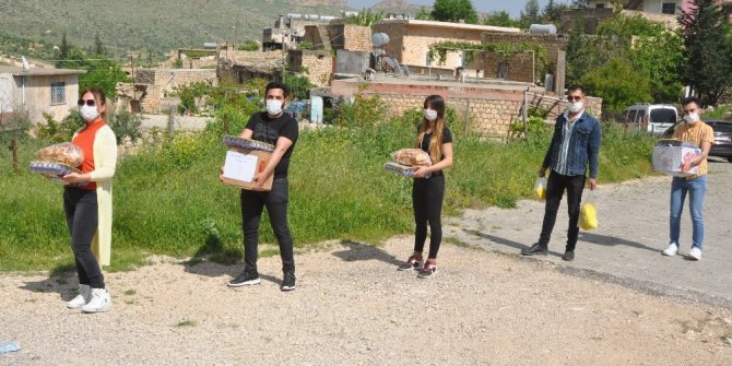 Mardinli yardımseverlerden Süryani aileye destek