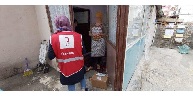 Sivas'ta Vefa Sosyal Destek Grupları ramazanda ihtiyaç sahiplerinin yüzünü güldürüyor