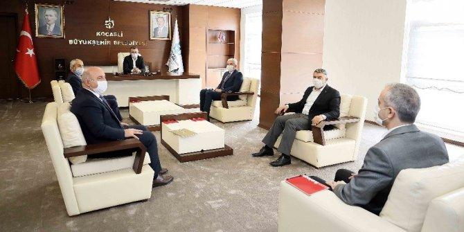 Baskan Büyükakın, ilçe belediye başkanları ile istişarede bulundu