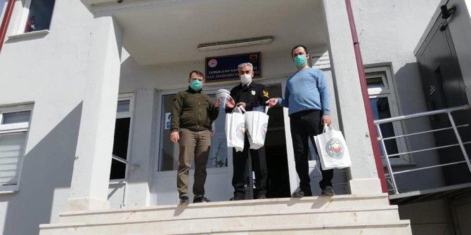 Derebucak'ta kamu kurumlarına siperlik ve maske desteği