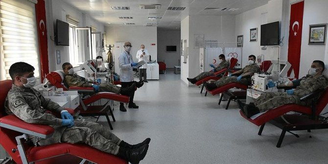 Koronavirüsü yenen 9 jandarma personelinden immün plazma bağışı