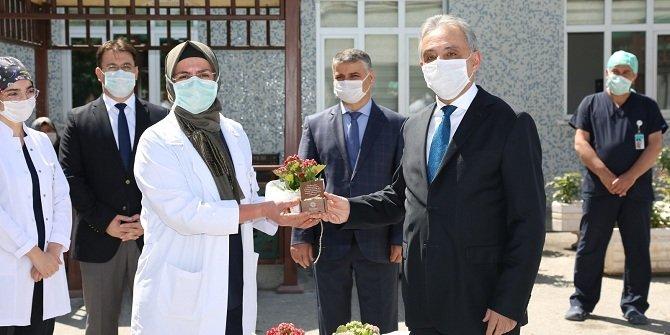 """Konya'da hemşirelere """"cihadiye yüzüğü"""" hediye edildi"""