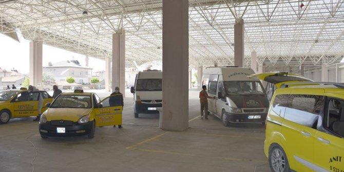 Karapınar'da ticari taksi ve minibüsler dezenfekte edildi