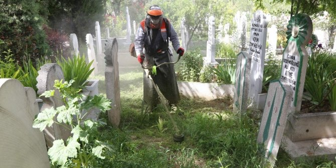 Konya Büyükşehir'den mezarlık ziyaretlerinde sosyal mesafe uyarısı