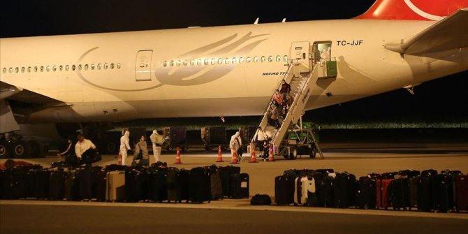 ABD'deki 296 Türk vatandaşı Türkiye'ye getirildi