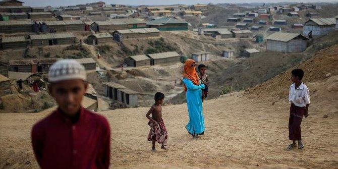 Arakanlı Müslümanlar bayrama Kovid-19 ve kasırga gölgesinde giriyor