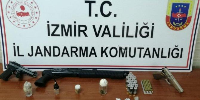 İzmir'de jandarmadan uyuşturucu baskını: 4 gözaltı