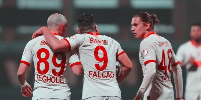 Galatasaray'da 100 milyonluk ayrılık!