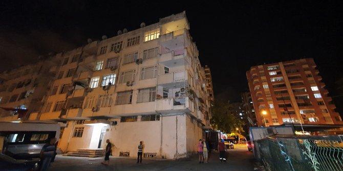 4'üncü kattaki evlerinin penceresinden düşen kız yaralandı