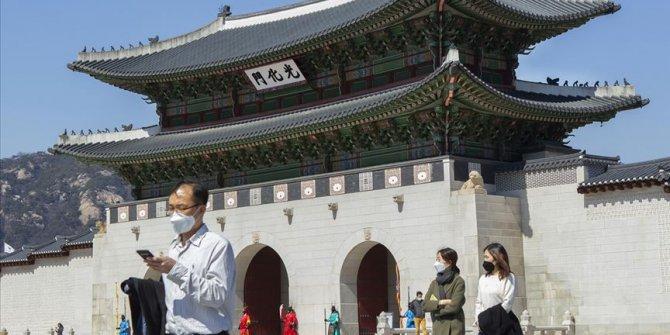 Güney Kore'de vakalar arttı, okullar yeniden kapatıldı