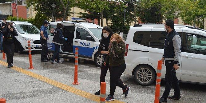 Afyonkarahisar'da fuhuş operasyonunda 3'ü kadın 5 gözaltı