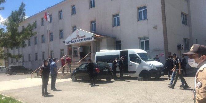 5 kişinin öldüğü silahlı kavgayla ilgili 2 zanlı tutuklandı