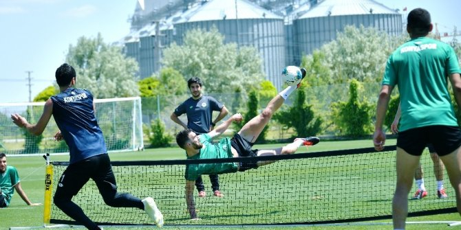 Konyaspor'da iki isim antrenmanlara katılmadı